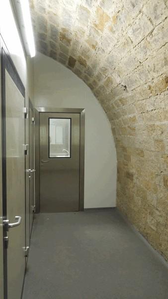 Durchgang zwischen Reinraum und Kühlzellen